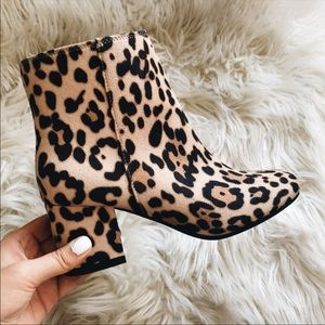 Shoes - Leopard (cheetah) print ankle booties!